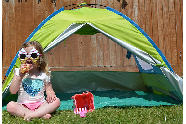 new style 56a09 0ad68 Top 10 Best Baby Beach Tents of 2017 - Reviews - PEI Magazine