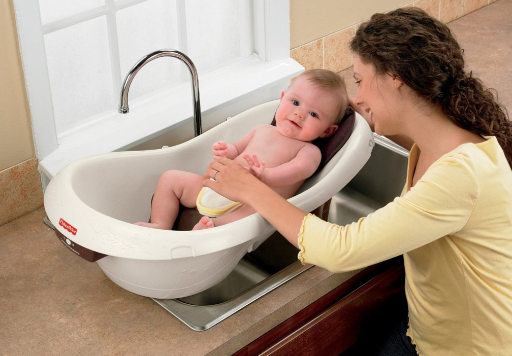 Top 10 best baby bath tubs of 2017 reviews pei magazine for Best soaking tubs 2016