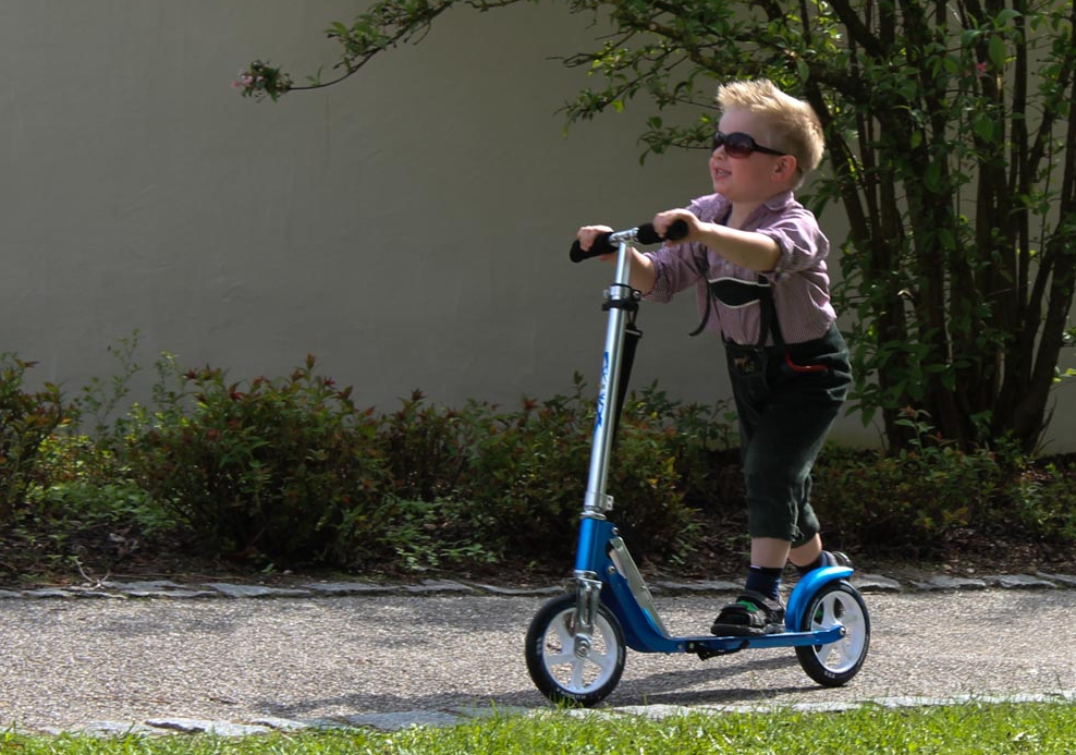 Top 10 Best Electric Scooters For Kids Of 2017 Reviews