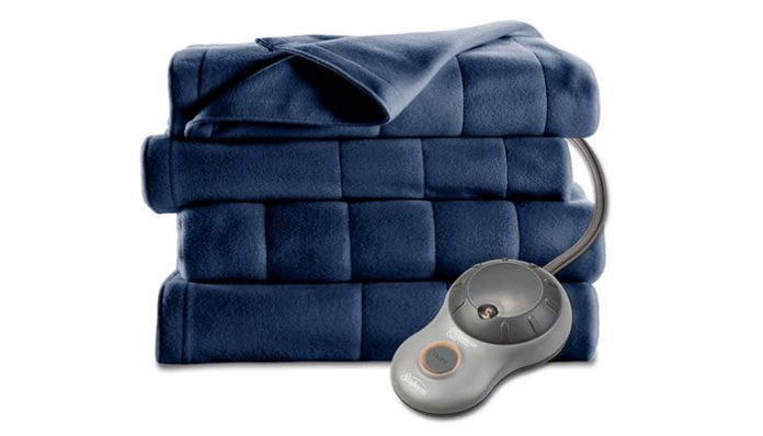 top 10 best electric blankets of 2017 reviews pei magazine. Black Bedroom Furniture Sets. Home Design Ideas