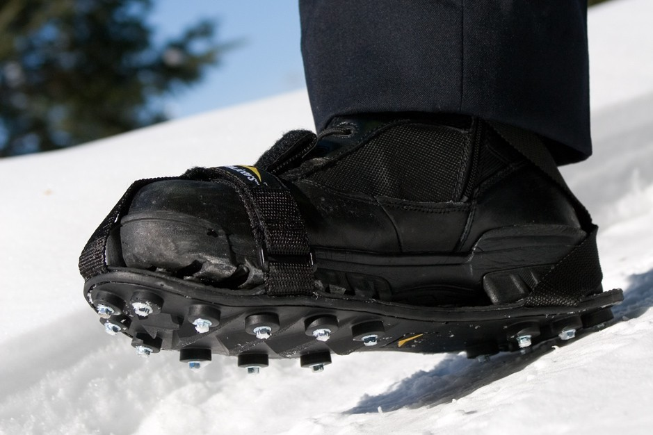 Top 10 Best Traction Cleats For Snow And Ice In 2017